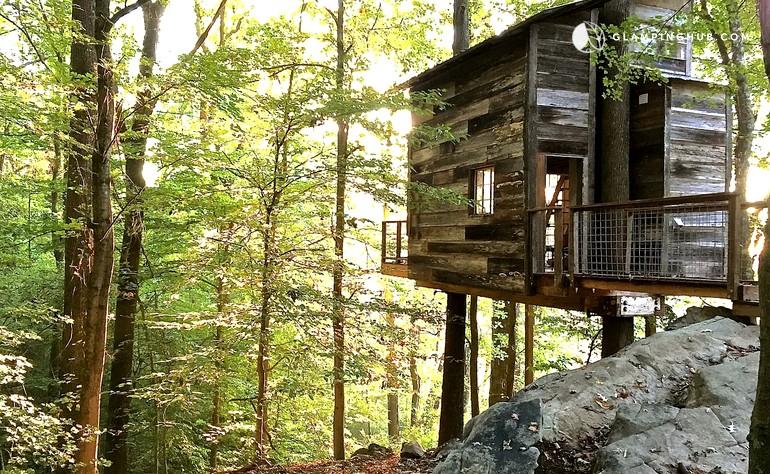 the Treetop Hideaway treehouse in Georgia