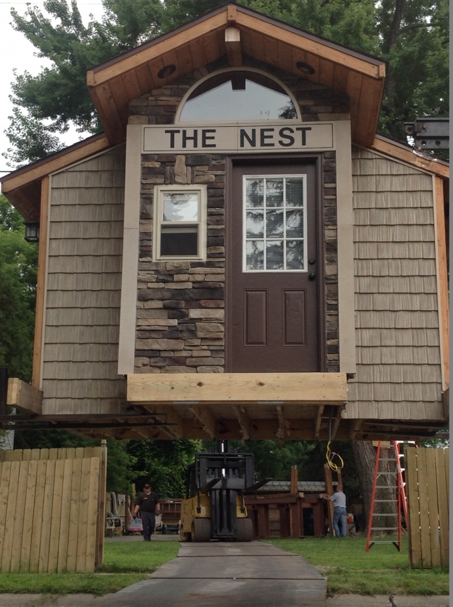 a family friendly treehouse in Indiana