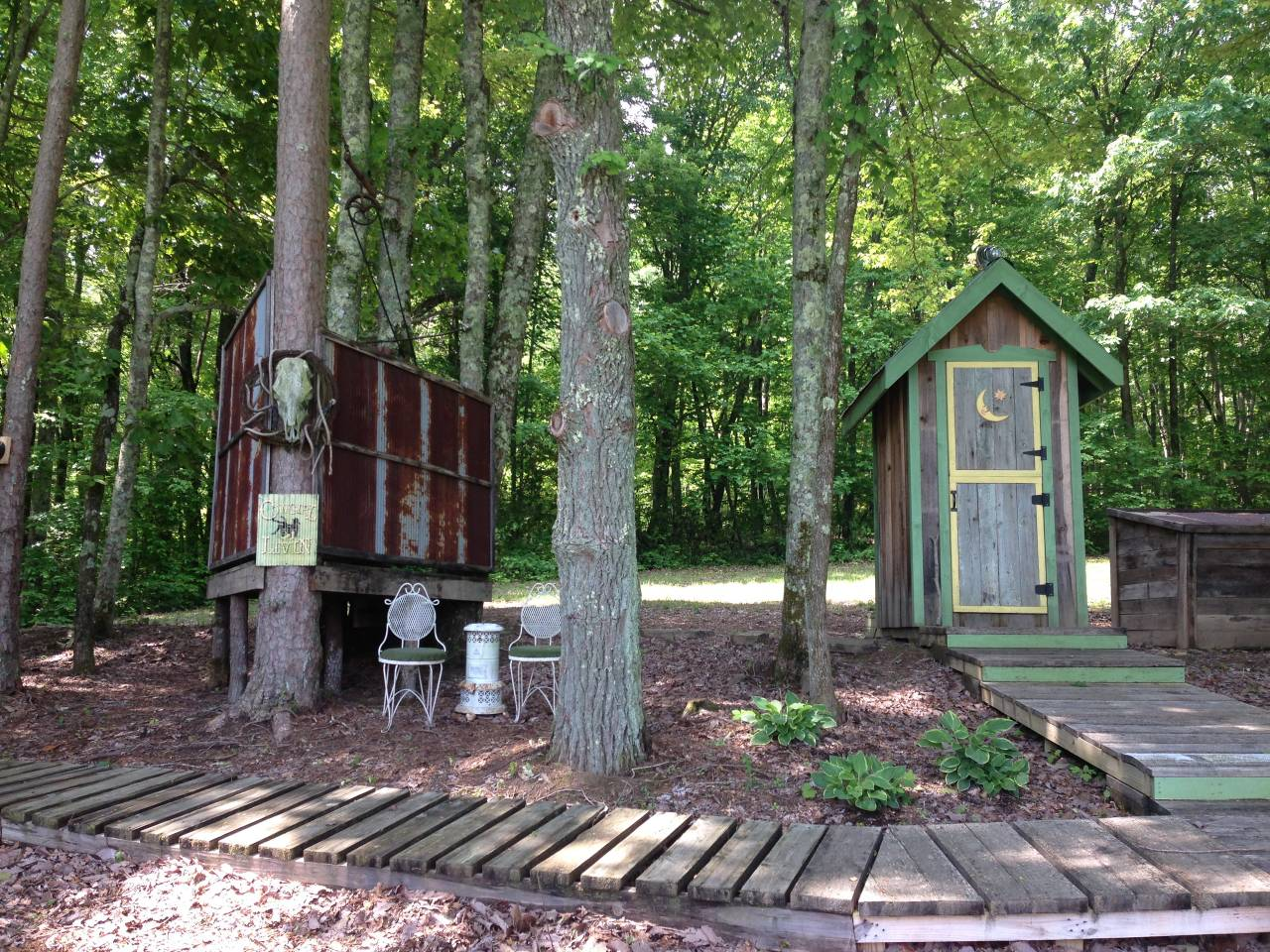 glamping in Tennessee at the Grandview Mountain Cottages